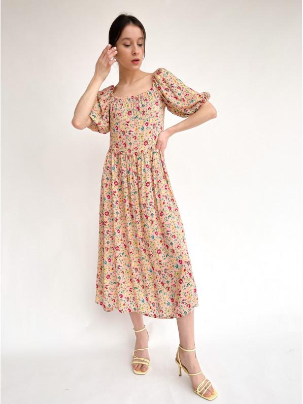 Платье-миди, «Отрезное» розовые цветы, бежевое